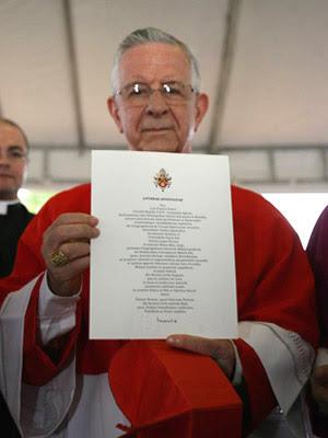 Dom Geraldo Majella leu carta apostólica para beatificar Irmã Dulce (Foto: Erik Salles/Agência A Tarde/AE)