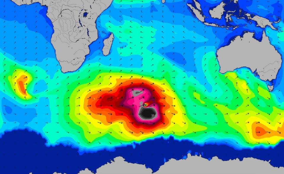 Swell chart showing 50ft+ waves in the Indian Ocean