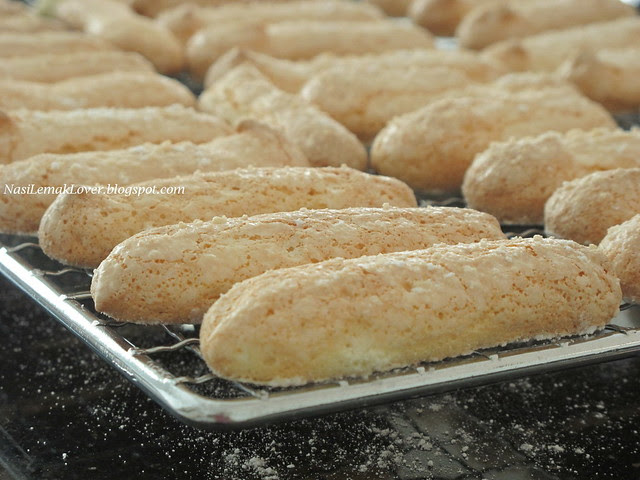 Lady fingers / savoiardi biscuits