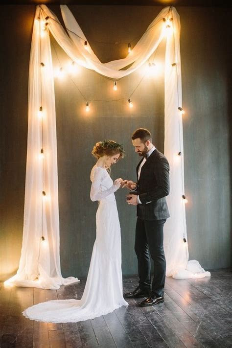 25 Trending Wedding Lighting Ideas with Edison Bulbs