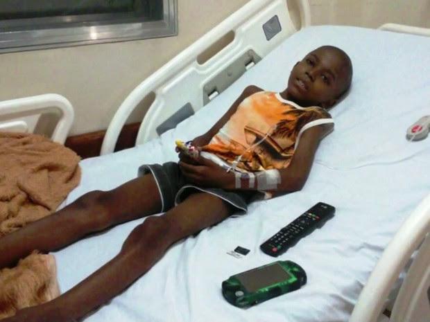 Garoto luta contra o câncer há quatro anos (Foto: Reprodução/TV Tribuna)