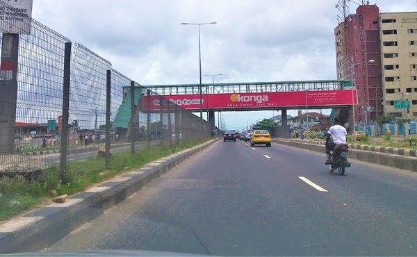 Ambode's Wire-Mesh Fence On Expressways Are Being Vandalized (Photos)