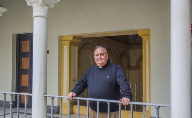Manuel Ángel Santiago, delegado diocesano de Hermandades y Cofradías. /Fran Acevedo