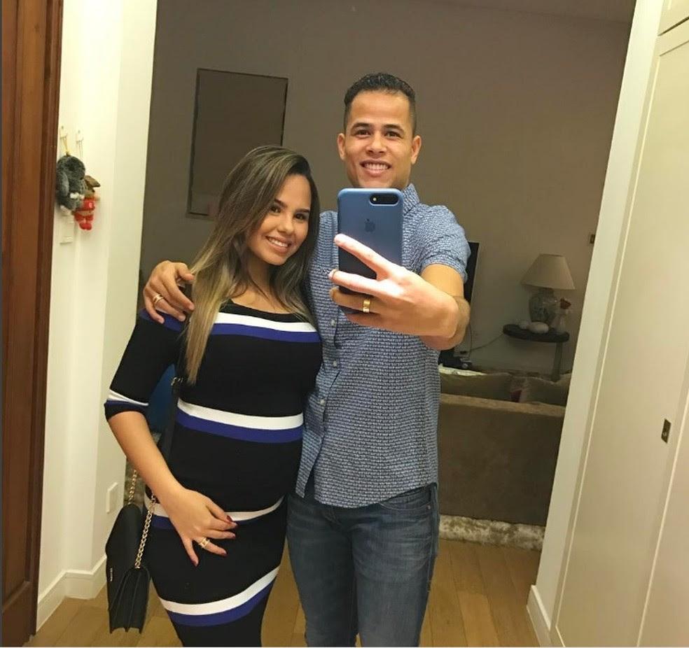 Gravidez da esposa aumenta desejo de Geuvânio voltar ao Brasil (Foto: Reprodução/Instagram)