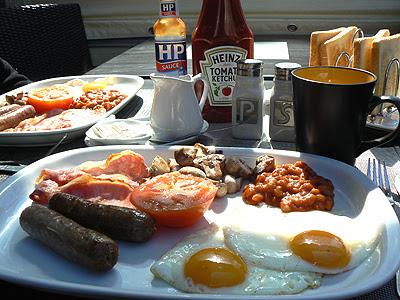le full english breakfast.jpg