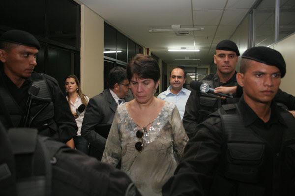 Após depoimento, Carla e George voltaram à prisão domiciliar e não quiseram comentar seus depoimentos no dia de ontem