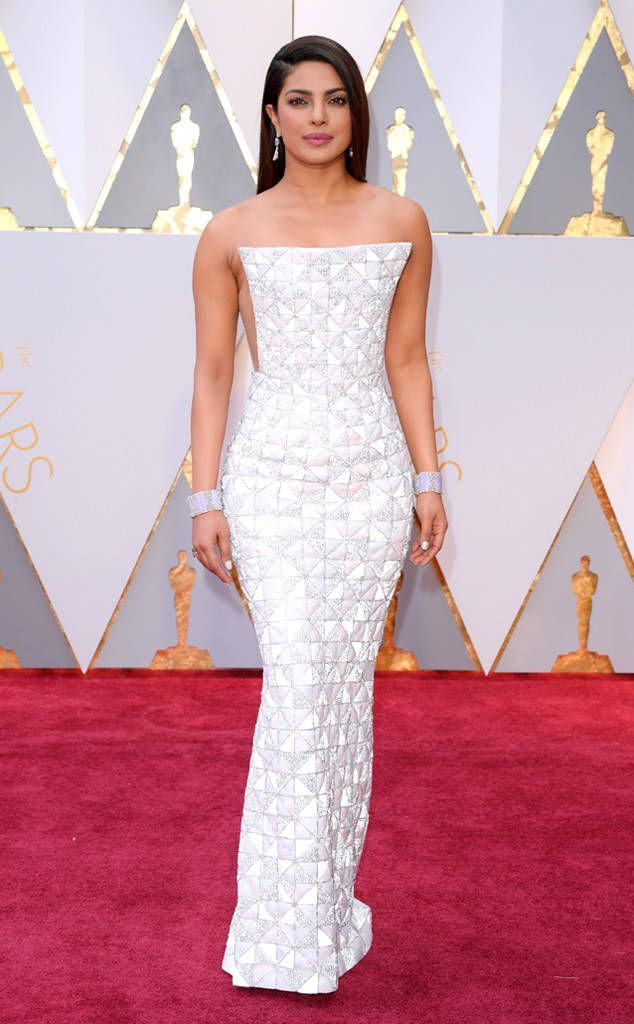 Priyanka Chopra photo rs_634x1024-170226163810-634-academy-awards-oscars-2017-arrivals-Priyanka-Chopra.jpg
