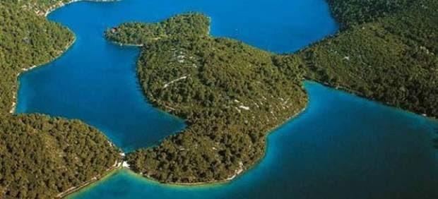 Europa: Navegando por el jardín de islas de la costa dálmata, en Croacia