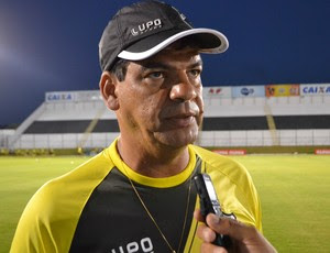 Moacir Júnior, técnico do ABC (Foto: Jocaff Souza/GloboEsporte.com)