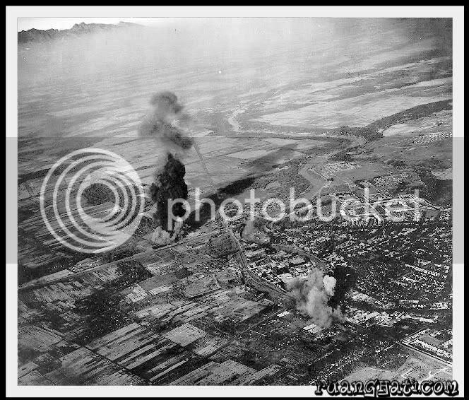 Kota Surabaya di Bombardir dari udara oleh Pasukan Sekutu.