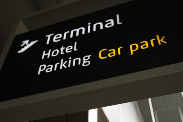 Pros and Cons of Airport Hotels For Business Travel