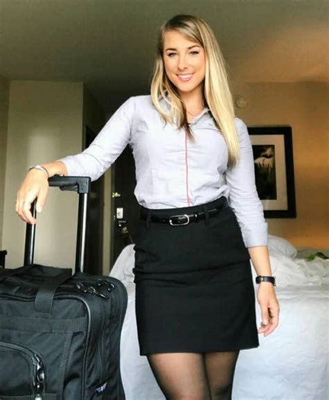 Pretty Flight Attendants Show How They Look Like When Not
