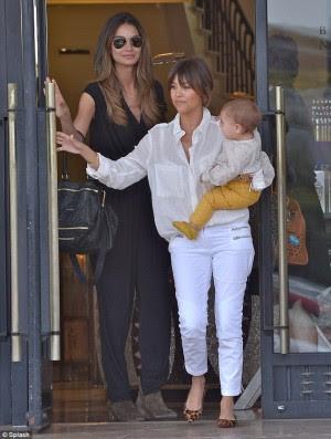 Kourtney Kardashian muestra a su preciosa bebé