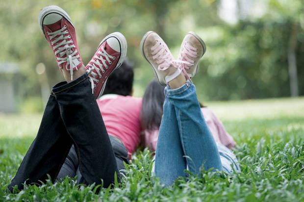http://media.salon.com/2015/07/couple_grass-620x412.jpg