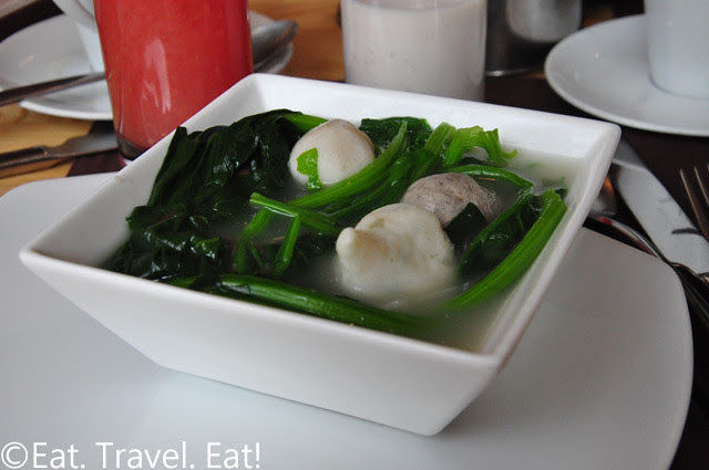 Fishballs with Roe, Meatballs, Spinach in Pork Bone Broth