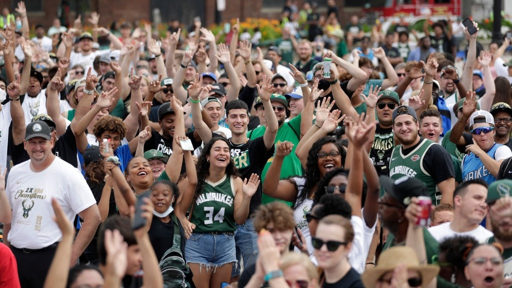 Best Moments from the Milwaukee Bucks 2021 NBA Championship Parade!