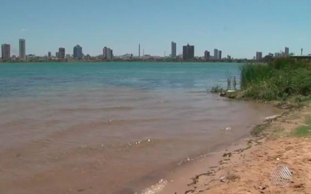 Situação aconteceu na localidade conhecida como 'prainha', trecho do Rio São Francisco (Foto: Reprodução/ TV Bahia