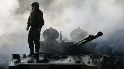 Сухопутные войска России получат более 400 танков и БТР в 2021 году