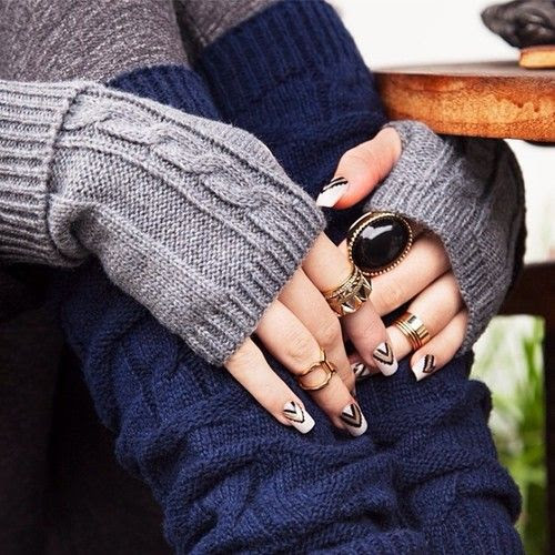 The real bling ring.  Tons of accessories (a.k.a. perfect gifts, wink wink!) just added at dailylook.com. #DAILYLOOK #ring #rings #gloves ...