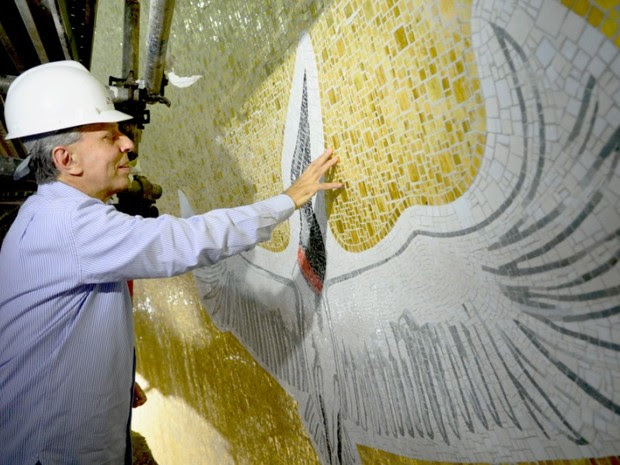 Claudio Pastro assinou a cúpula e o nicho da Basília (Foto: A12/Thiago Leon)