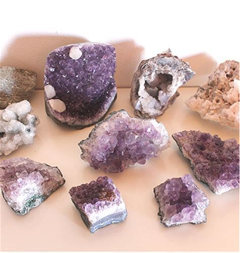 amethyst, rocks and geodes for rent