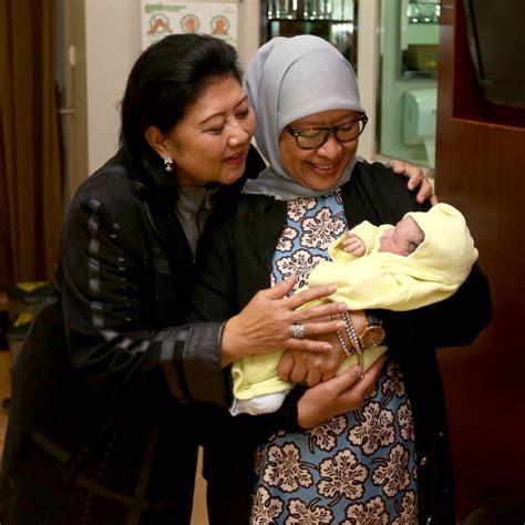 lucu  foto perdana cucu ketiga sby