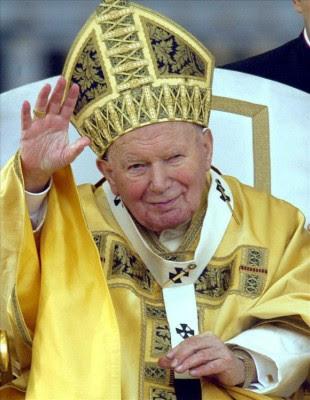 Juan Pablo II, santo a partir de abril