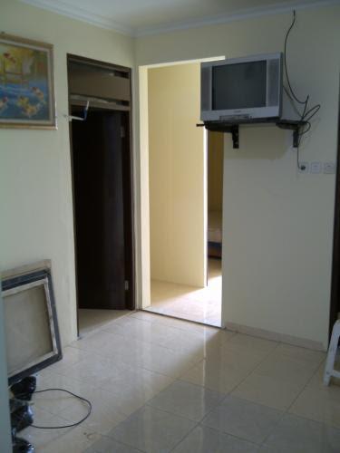 Kost Pria Wanita Tomang Tinggi Grogol Jakarta Barat  Bed