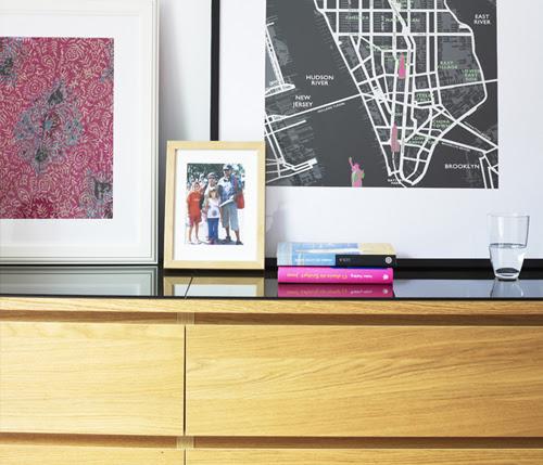 exp02-framed-photograph-displays