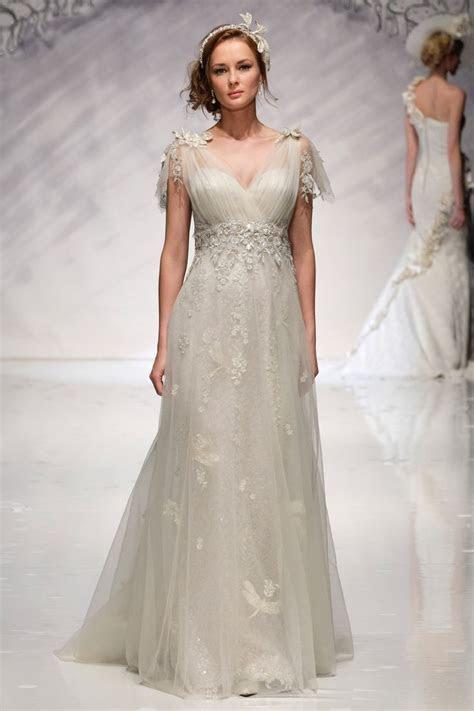 Ian Stuart Bride   Designer wedding dresses at Fantasia