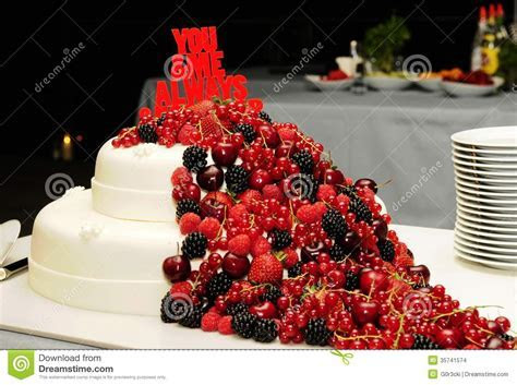 Red Fruits Cake   Love   Wedding   Birthday   Food Stock