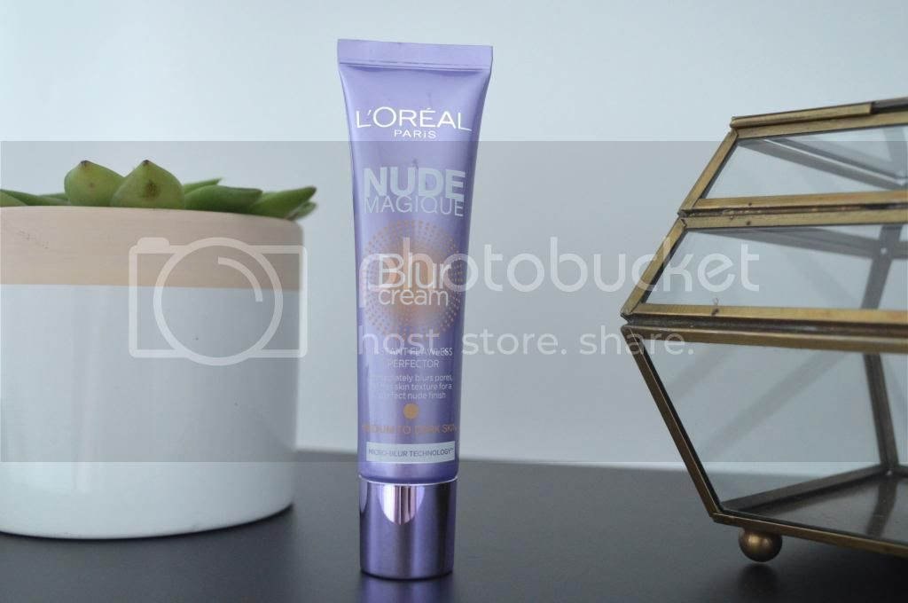 Beauty Blogger Review L'oreal Nude Magique Blur Cream
