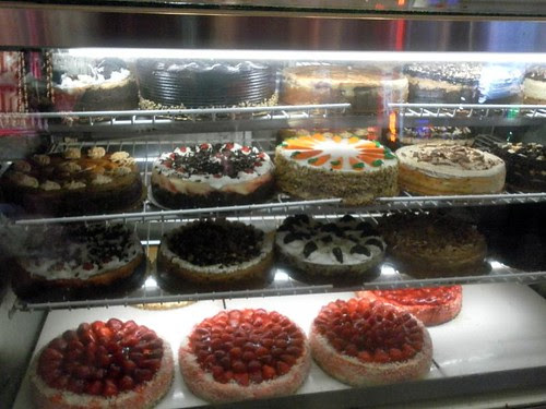 roxys-cheesecakes-window