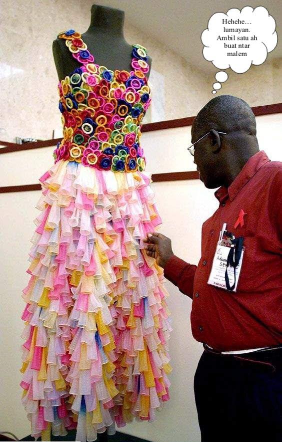 gaun wanita kondom