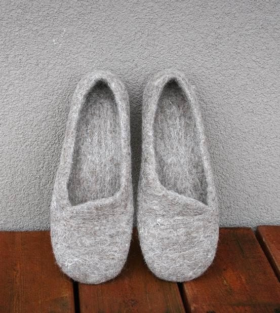 Women house shoes, felted slippers, Eco, handmade, made to order - kadabros
