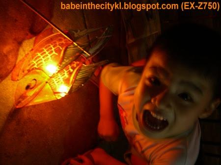 boiboi wid lantern1