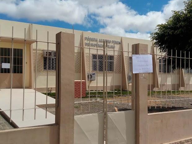 Fórum é arrombado em Itiruçu e expediente é suspenso  (Foto:  Blog Itiruçu Online)