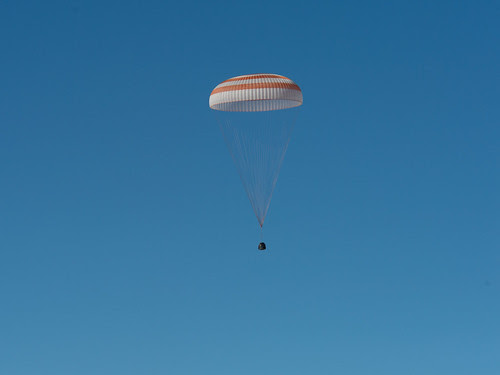 Expedition 35 Landing (201305140001HQ)