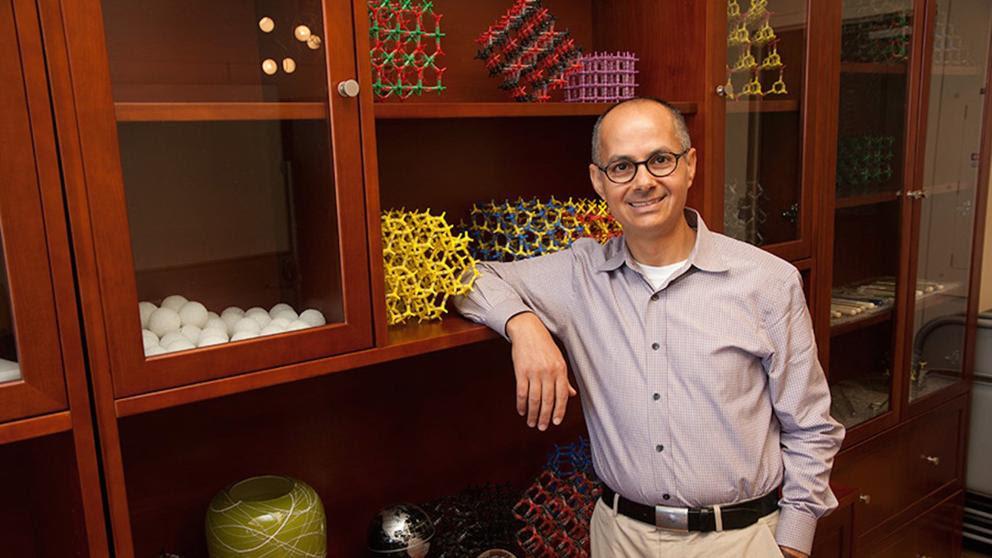 Yaghi, el químico que quiere mitigar el cambio climático