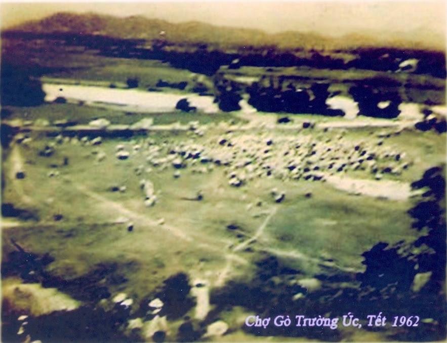 HộiTếtChợGò_Năm1962_ẢnhLêQuangMỹ_cuongde