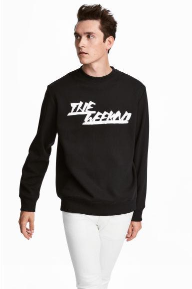 Printed sweatshirt Model