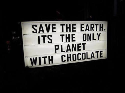 soniaruan:  Chocolate lover 👉🍫=❤️