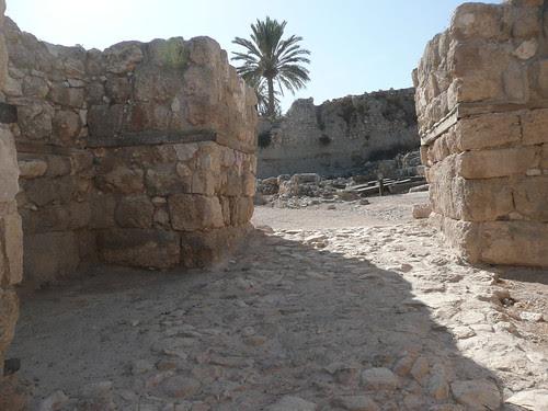 Solomonic gates at Megiddo
