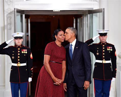 Obama Praises Michelle in Surprise 25th Wedding