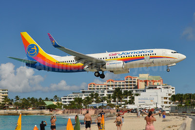 Air Jamaica-Caribbean Airlines Boeing 737-8Q8 WL 9Y-JMF (msn 30730) (50 Years of Independence Jamaica) SXM (Dave Glendinning). Image: 910103.