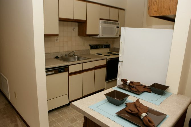 Complete Kitchens | Eddingham Place Apartments | Lawrence, KS