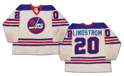 Winnipeg Jets 75-76 home jersey