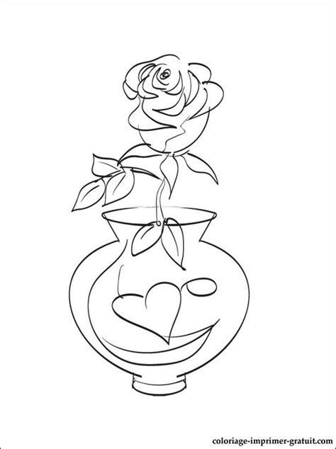 vase avec des roses coloriage  imprimer gratuit