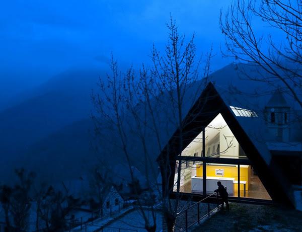 extraordinary-house-design-with-extraordinary-views-of-pyrenees-16.jpg
