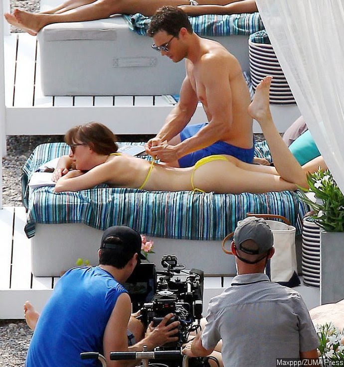 Resultado de imagem para Dakota Johnson Topless Bikini Fotos: 'Fifties Shades Freed' Set